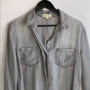 Cloth and Stone Women's Gray Button Up Blouse